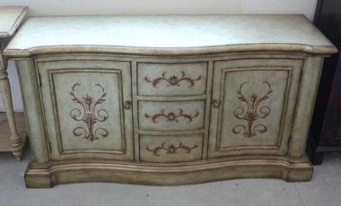 Способы обновления старой мебели